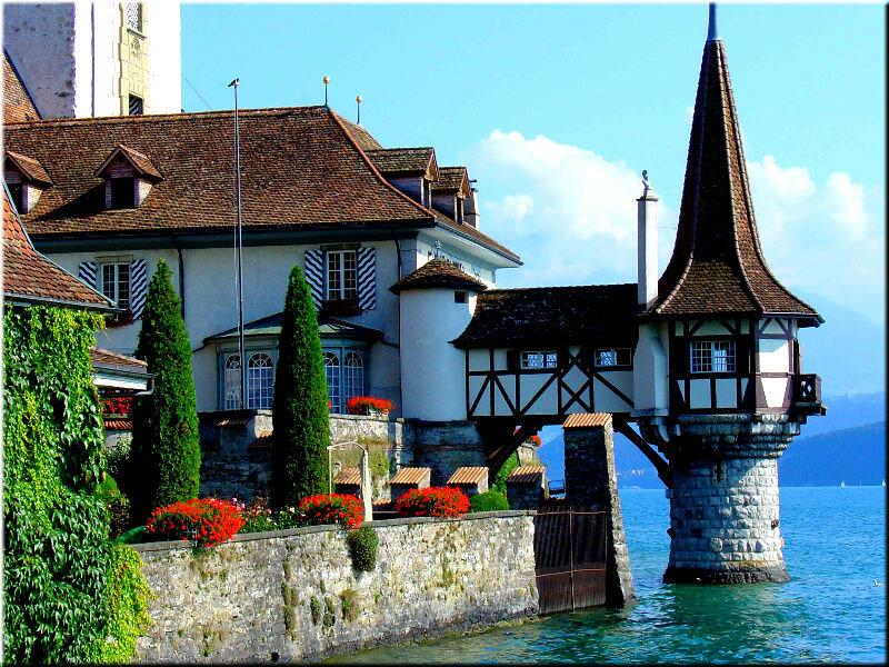 Oberhofen Castle, Lake Thun, Switzerland без смс