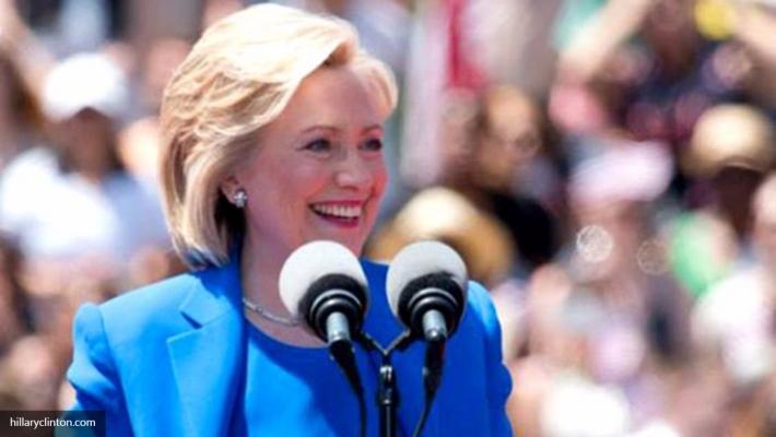 Клинтон стало плохо нацеремонии памяти жертв терактов 11сентября