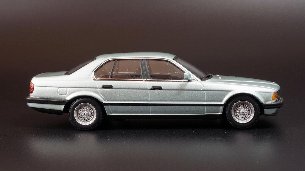 BMW_E32_05.jpg