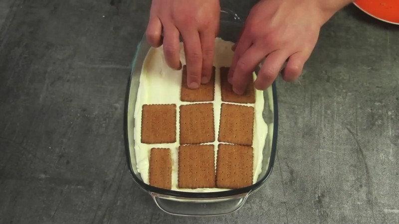 Но огорчаться не стоит, ведь мы подготовили рецепт одного замечательного десерта, который готовится