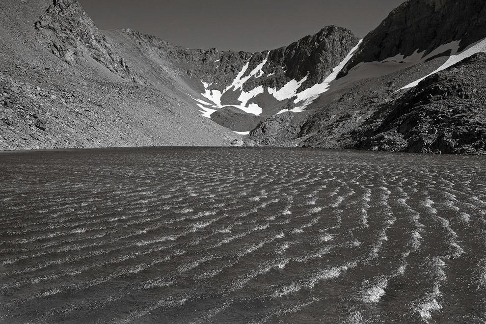 Озеро Шедоу и горы. (Фото Peter Essick):