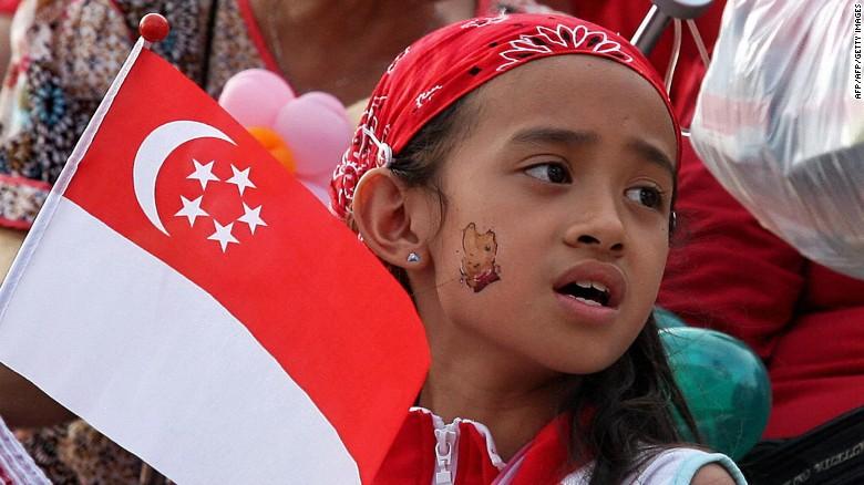 Пятое место заняли Австрия, Сингапур и Япония. Пограничники 173 стран мира не потребуют визу у облад