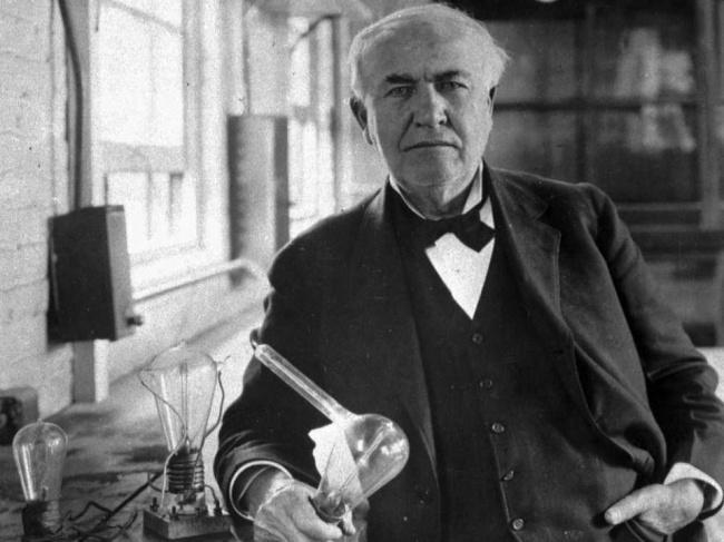 11. Томас Эдисон Учителя считали его слишком тупым, а работодатели дважды увольняли с работы за «нед