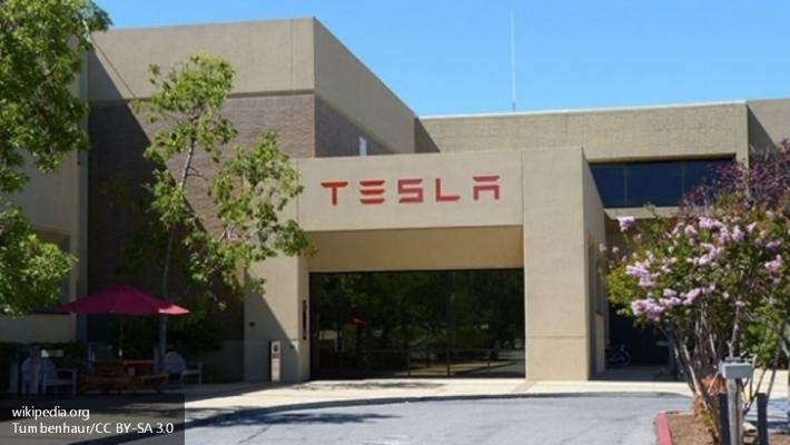 Tesla анонсирует обновленноеПО для радара иавтопилота