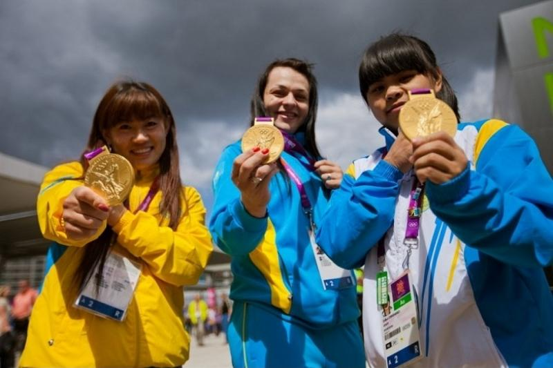 МОК дисквалифицировал 2-х легкоатлетовРФ после перепроверки допинг-проб