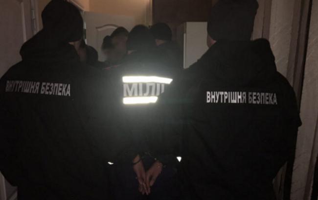 ВЗапорожье полицейские украли упенсионера 1,8 млн грн
