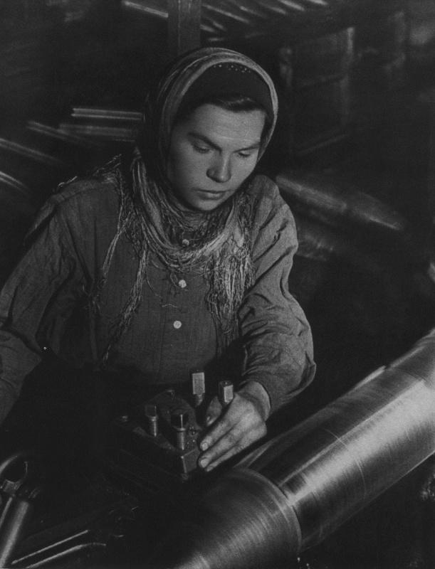 Картинка женщины во время войны