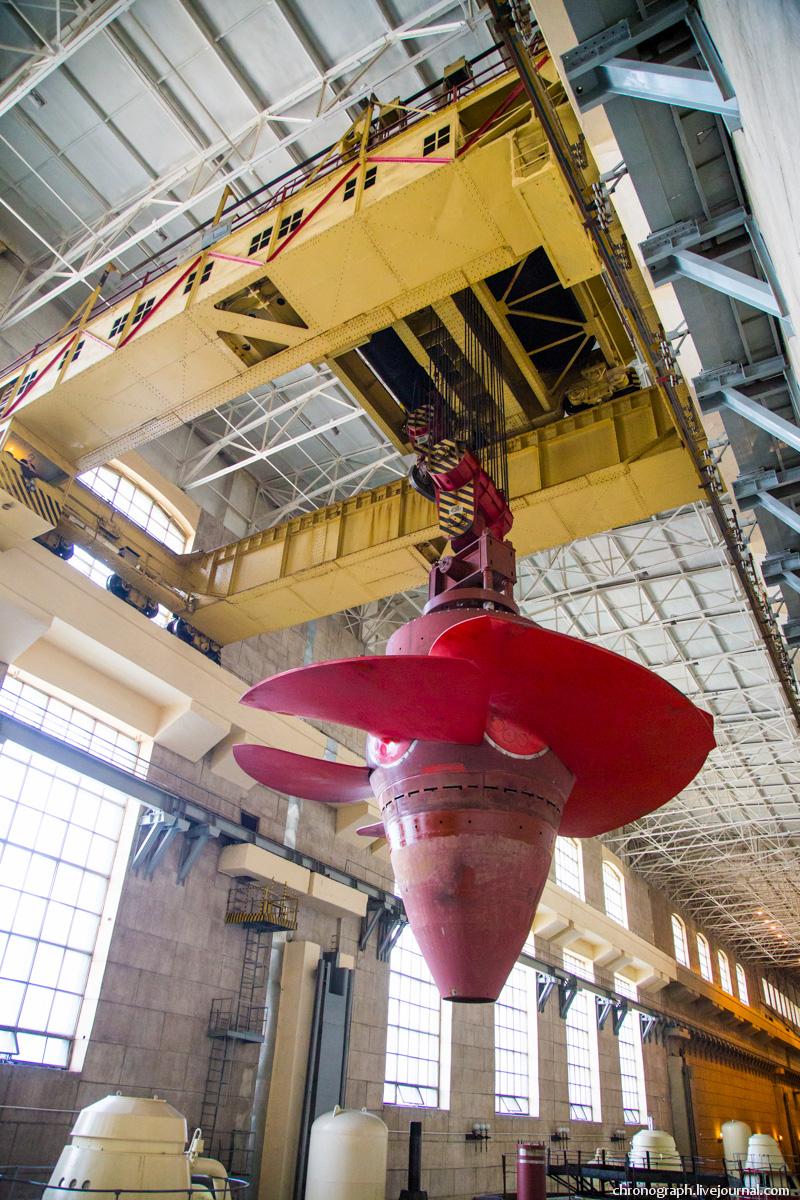 Монтаж рабочего колеса гидроагрегата №7 на Жигулёвской ГЭС 0_11234c_7394352e_orig