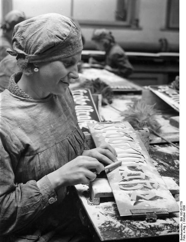 Posen, Herstellung von Strassenschildern