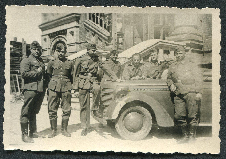 1942. Немцы у Собора свв. Петра и Павла
