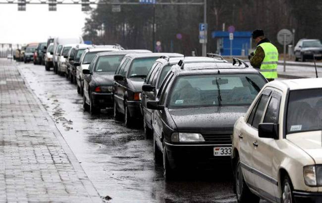 В очередях на границе с Польшей стоят 670 автомобилей, - Госпогранслужба