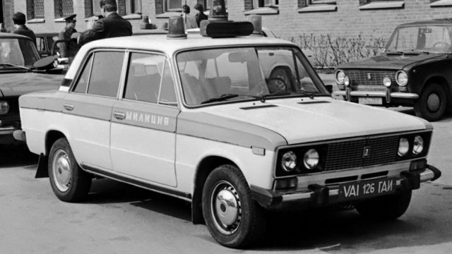Как и прежде, раскраска спецавтомобилей строго регламентировалась, а в их комплектацию входили
