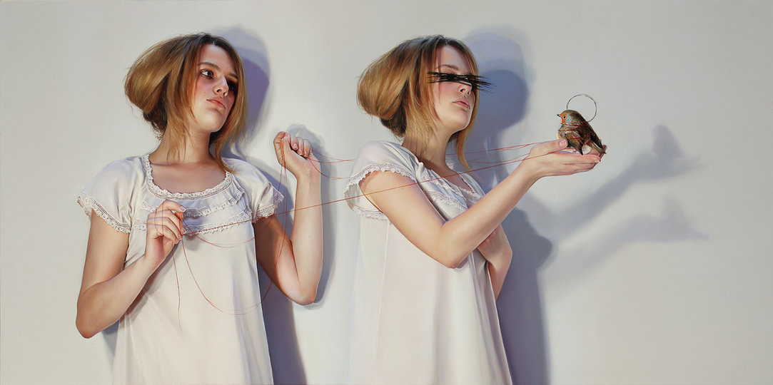 Картины Элизы - это игра с мечтой из самых сокровенных сновидений. Она незаметно берёт за руку и мед