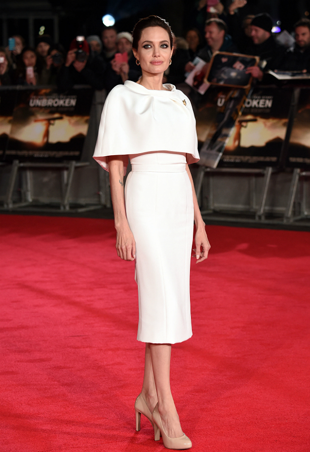 На премьере фильма «Несломленный», Анджелина Джоли выглядела по-королевски элегантно и сдержанно