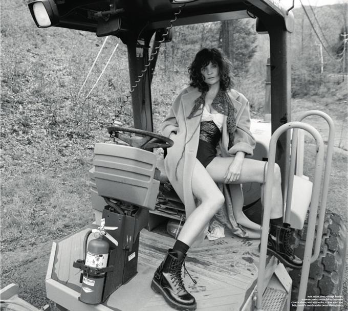 Хелена Кристенсен в Russh Magazine