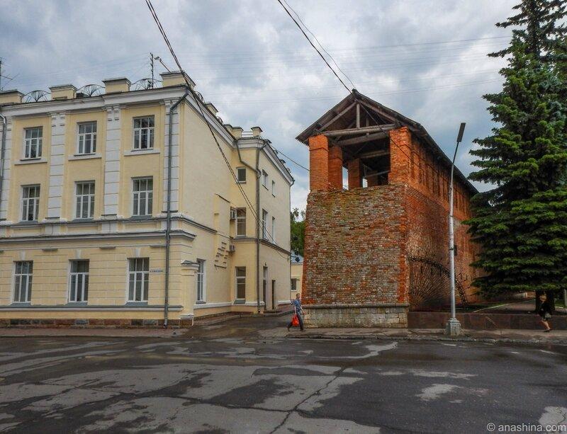 Здание городской администрации, крепостная стена, Смоленск