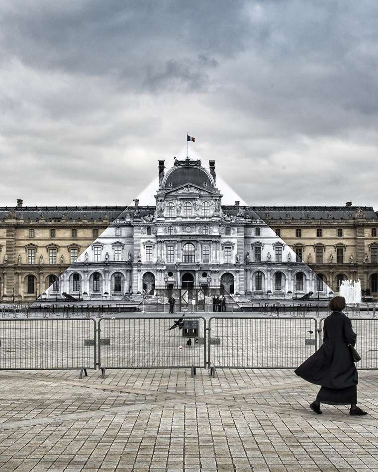 JR makes the Louvre Pyramid disappear with a gigantic anamorphosis