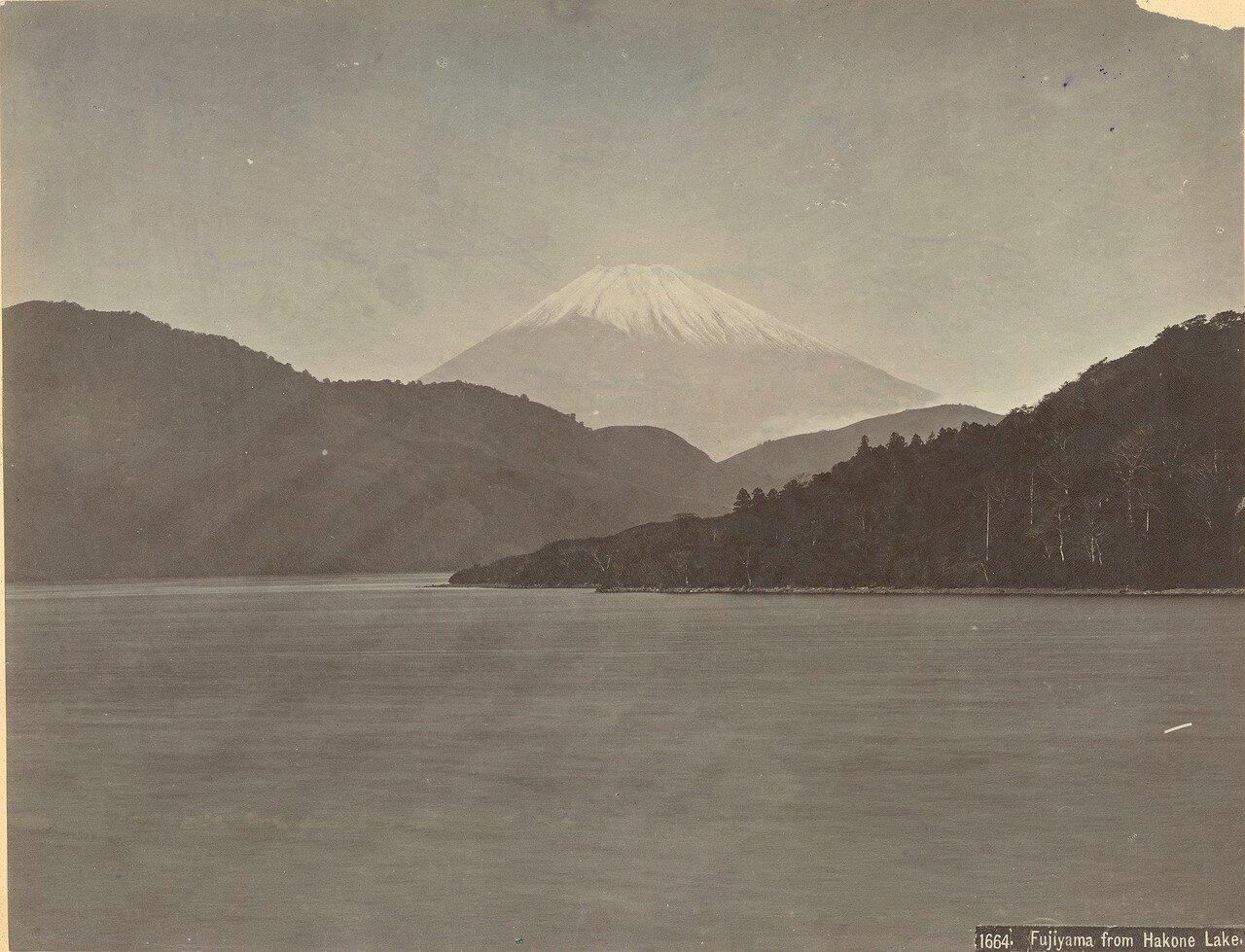 Вид Фудзи с острова Хаконе