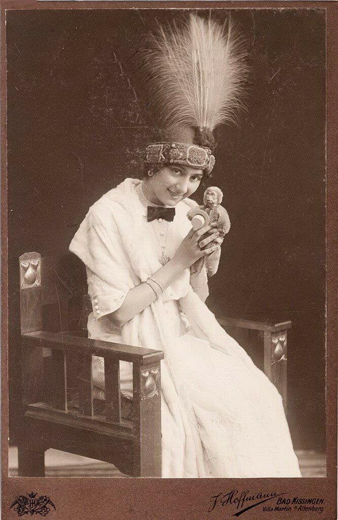 Техникой она не блистала – москвички не очень заботились о технике и не ездили, как артистки Мариинского театра, в Милан к знаменитой преподавательнице Беретта.