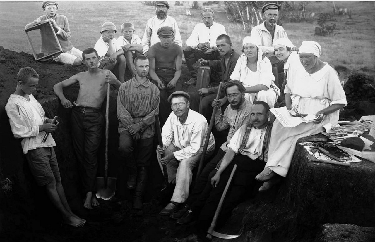 1924. Юго-западный берег озера Смолино (за поселком Смолино). Археологические раскопки
