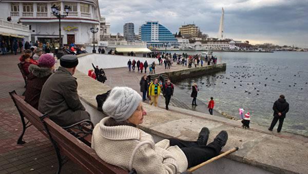 """Оккупационные власти Севастополя уничтожили более 40 кг """"санкционных"""" сыров и колбас из Украины и ЕС"""