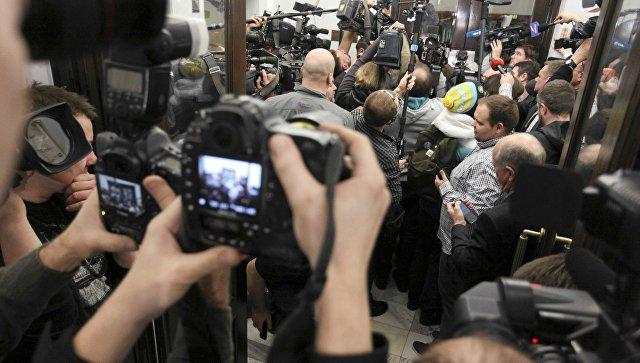 Первое в 2017-ом году  совещание  польского сейма началось сблокирования трибуны оппозицией