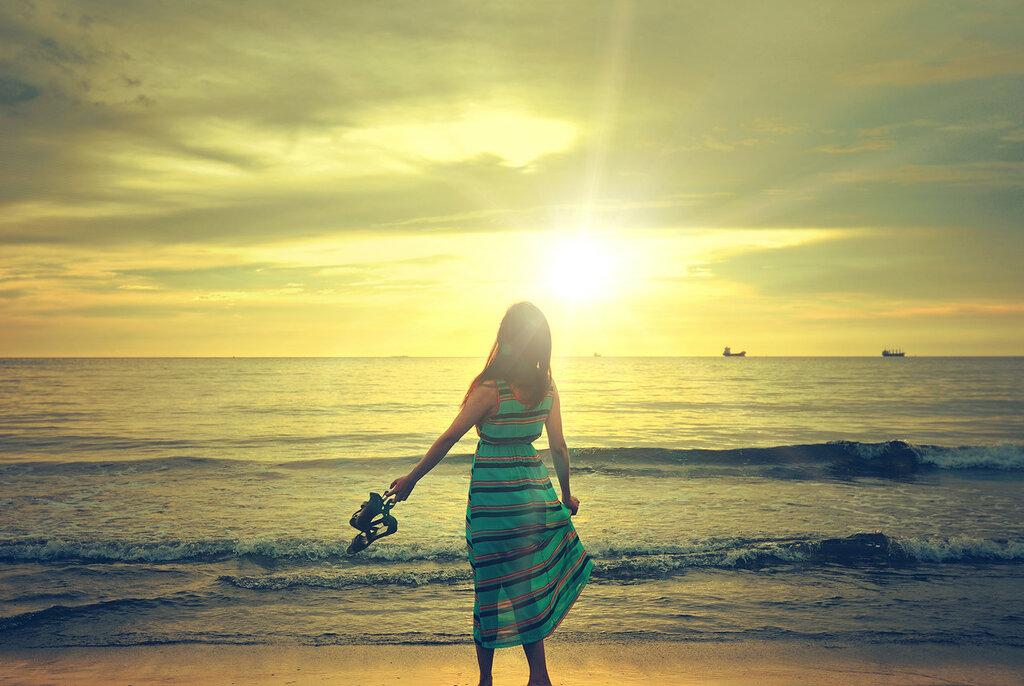 девушка-море-закат-красота-626297.jpeg