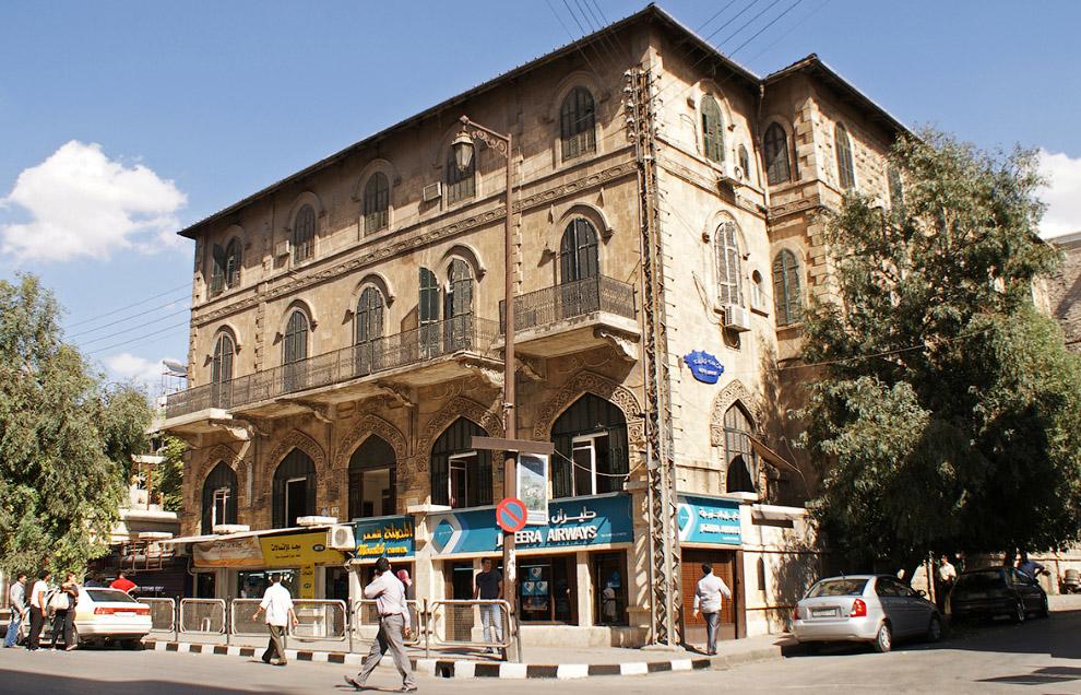 6. …кафе и рестораны (2009 год). (Фото Khalil Ashawi | Reuters):