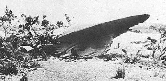 Розуэлльский инцидент В июле 1947 года все население небольшого городка Розуэлл проснулось з