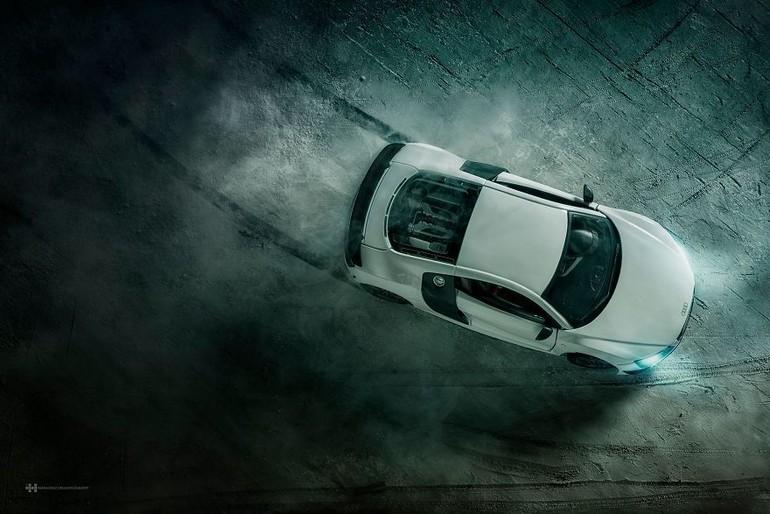 Компания Audiпоручила Феликсу Эрнандесу Родригезу провести съемку своего спорткараAudi R8. Однако