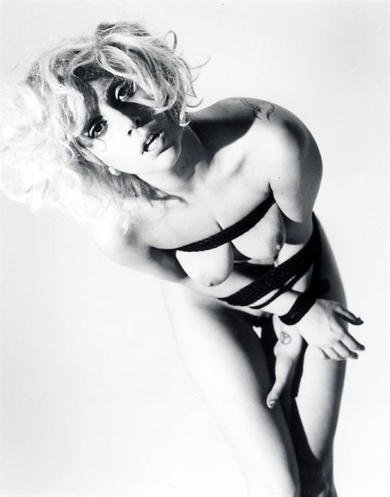 Леди Гага: Меня связывал персональный мастер бандажа Араки, несколькими веревками и японскими узлами