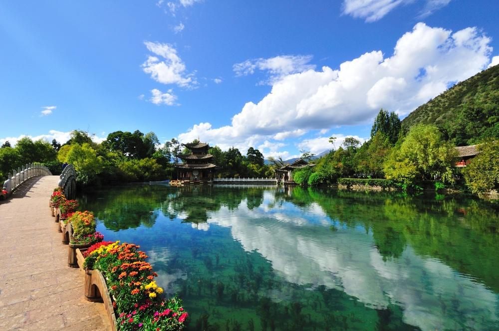 © Yu Wang  Провинция Юньнань славится чудесными пейзажами ицелым калейдоскопом интересных мес