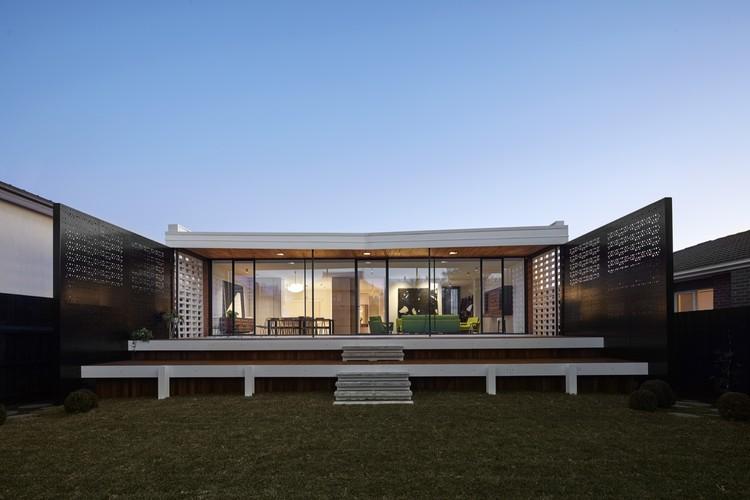 Обновленный дом писателя в Мельбурне (12 фото)