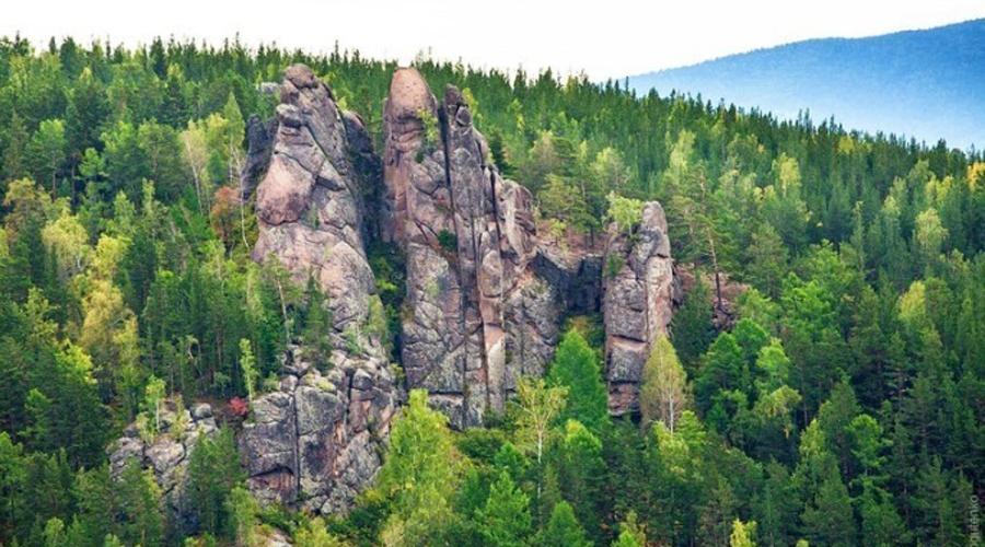 Почти на самой границе Красноярска расположен знаменитый заповедник «Столбы». Сюда приезжают полюбов
