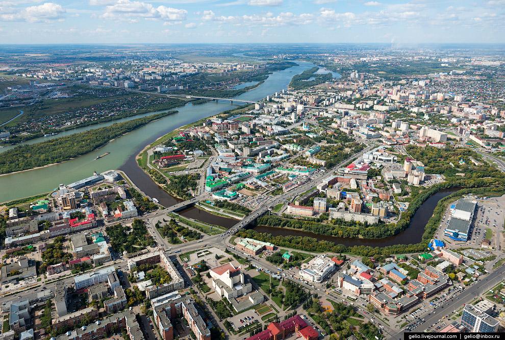3. Соборная площадь. Главная площадь Омска, расположенная в центре города между улицами Красный