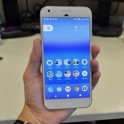 Компания Google представит в нынешнем году три устройства под брендом Pixel
