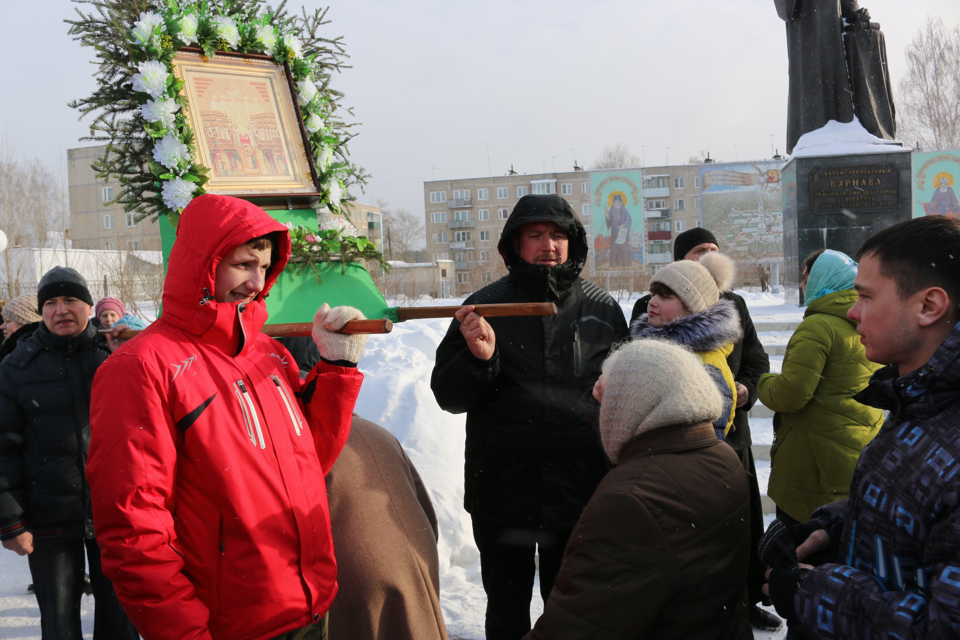 Крестный ход в день памяти новомучеников и исповедников Церкви Русской прошел в Выксе-41