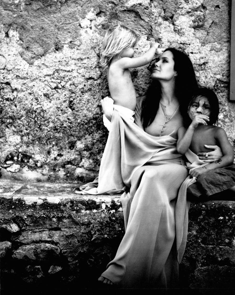 Intimate Black & White Pictures of Angelina Jolie Taken by Brad Pitt