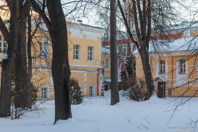Лефортовский дворец, внутренний двор