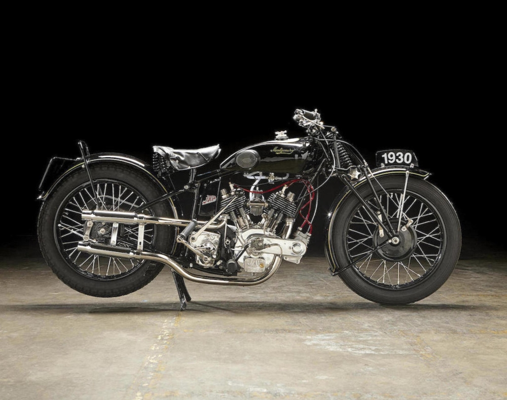 Старинный мотоцикл Montgomery JAP 750 1930
