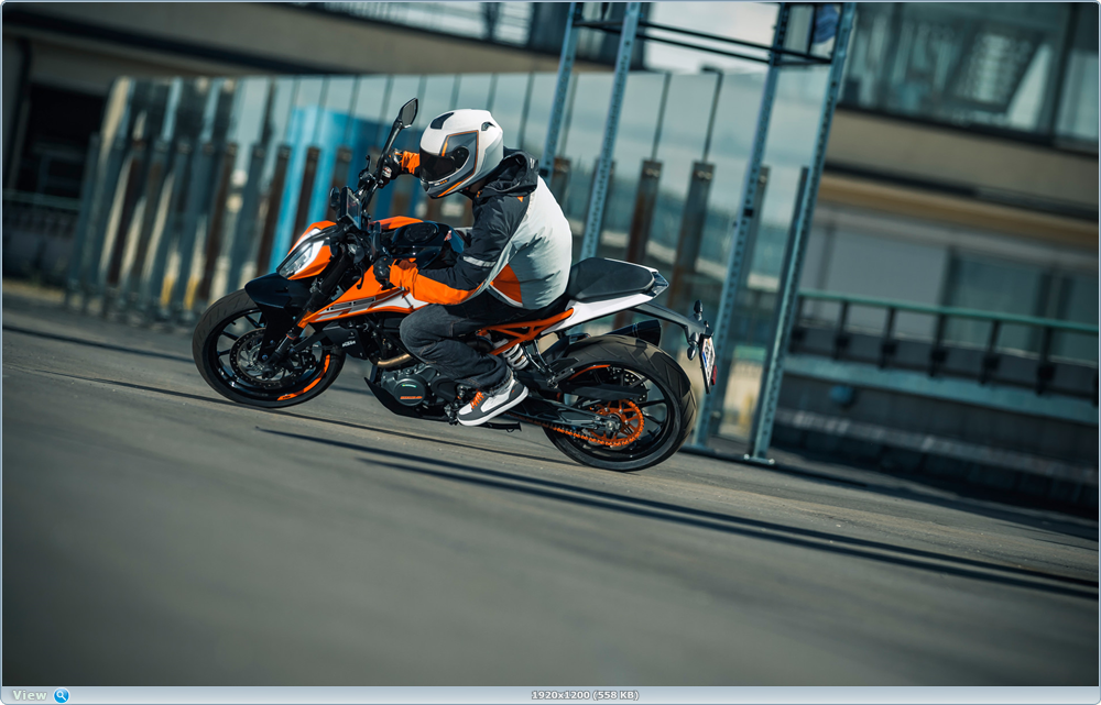 Фотографии мотоцикла KTM 125 Duke 2017