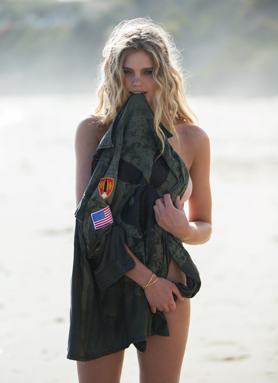 Девушка месяца Валери ван дер Грааф / Valerie van der Graaf - Playboy USA august 2016 playmate / photo by David Bellemere
