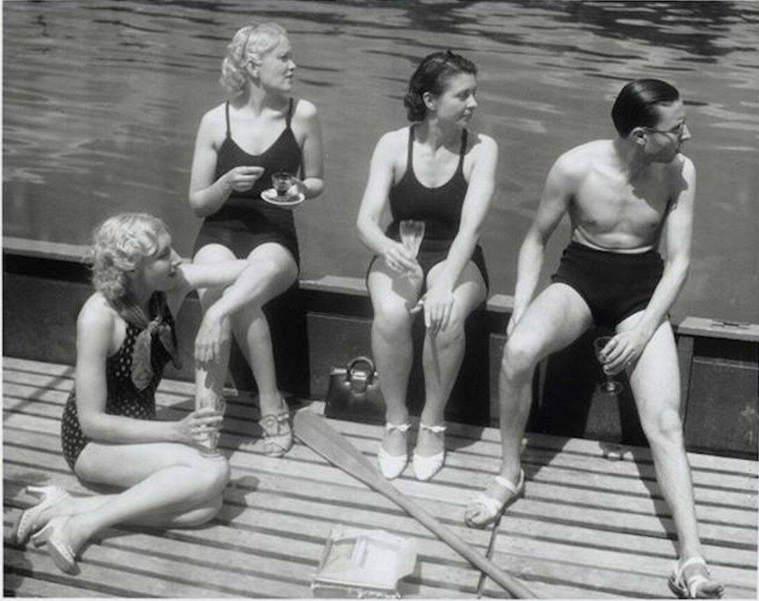 1936. Выходные, Париж