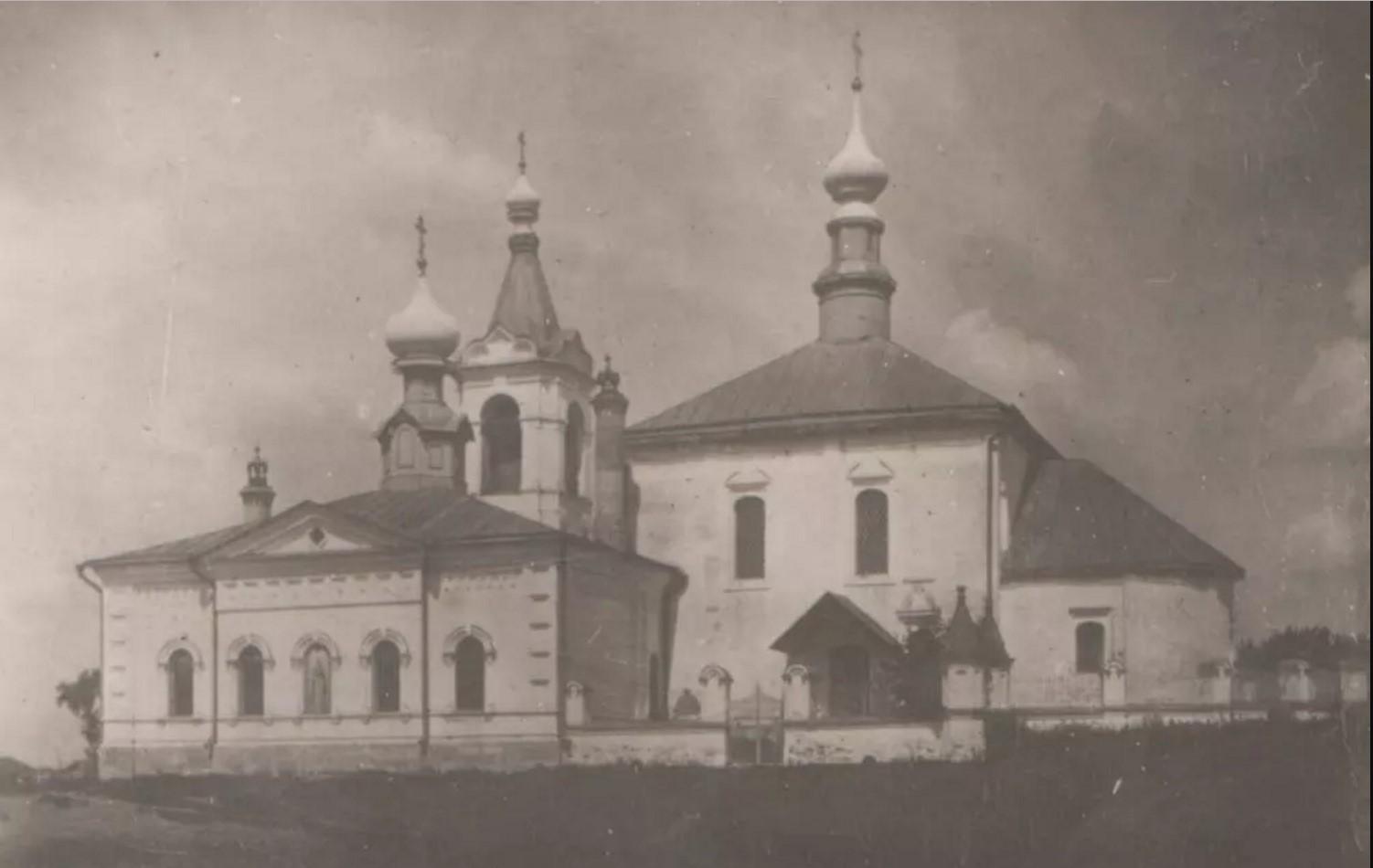 Похвалынская церковь с колокольней и Варваринская церковь