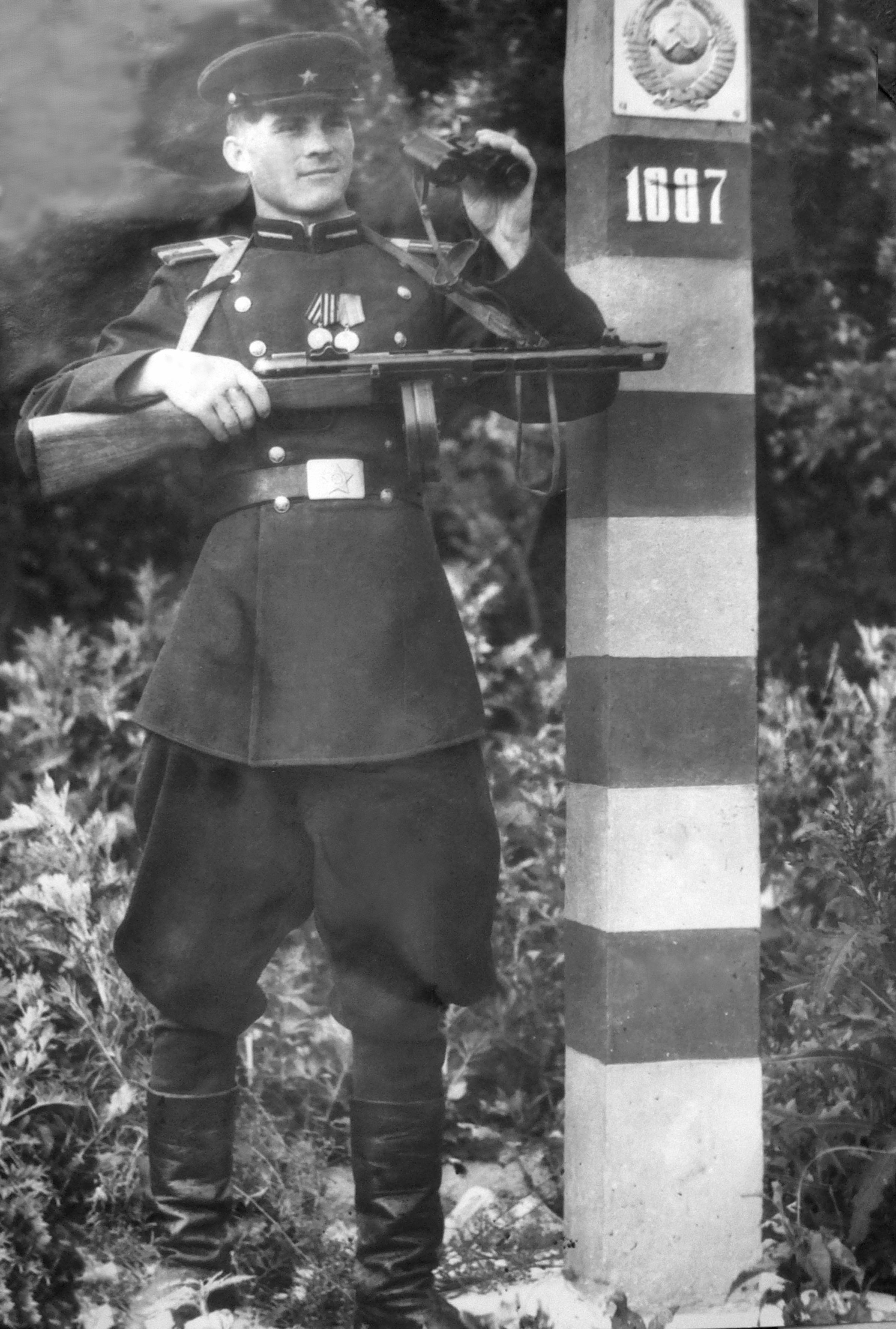 1-starshina-zelenskijj-aa-granica-1950-g.jpg