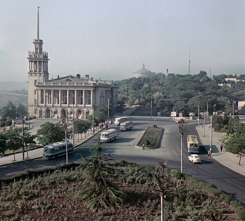 1972-73 Площадь Ушакова2.jpg