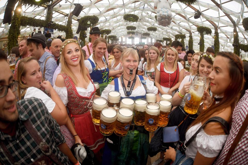 Фестиваль пива Октоберфест стартовал в Мюнхене