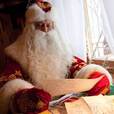Открытки. День рождения Дедушки Мороза. Дед Мороз за чтением писем открытки фото рисунки картинки поздравления