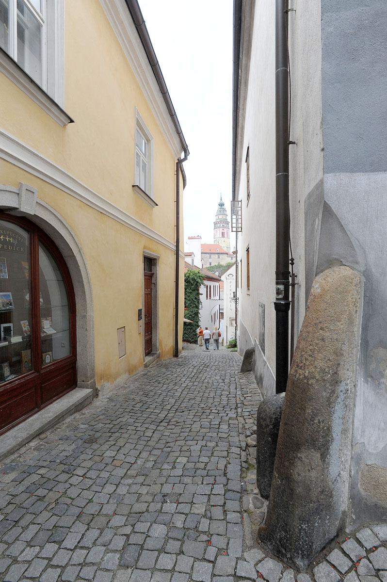 3. Если честно, то фотографировать в городе можно каждую улицу.