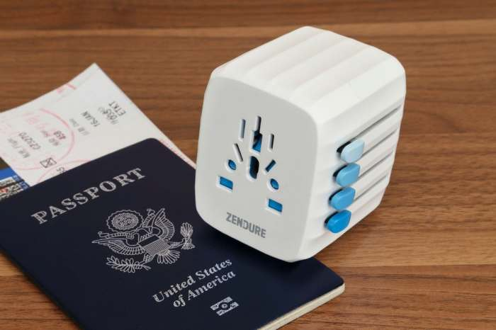 Совсем как настоящий паспорт. В качестве интересного и наиболее удачного решения всех этих проблем о